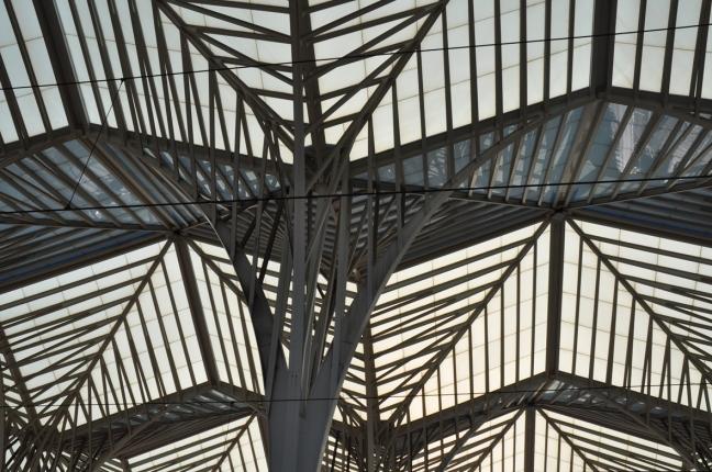 Dak van het moderne Gare do Oriente