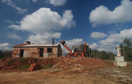 Renovatie gele huisje verkleind