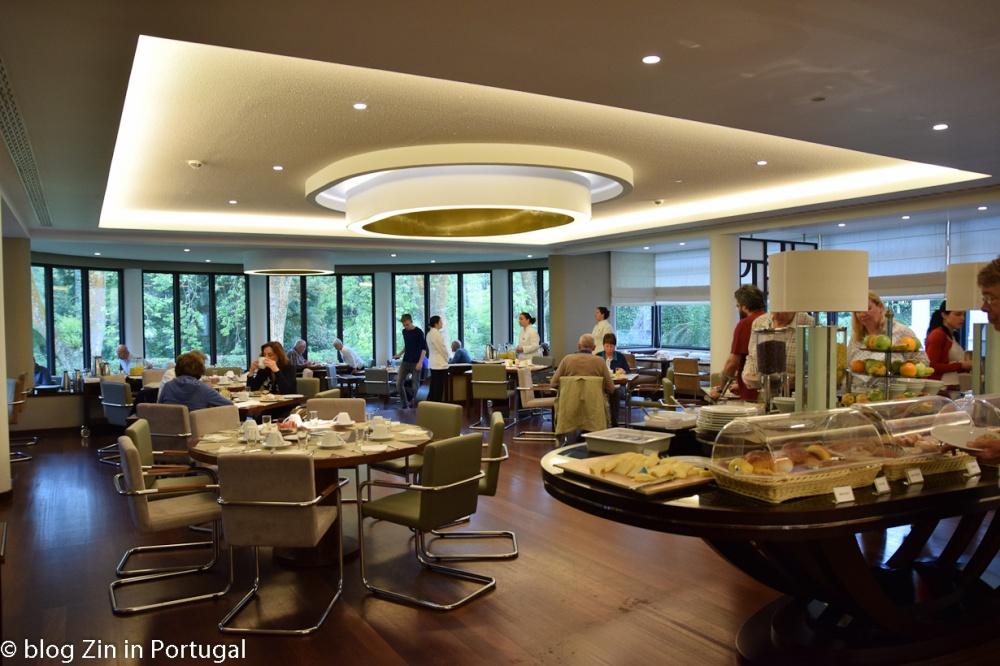 Hotel_Terra_Nostra_restaurant_breakfast