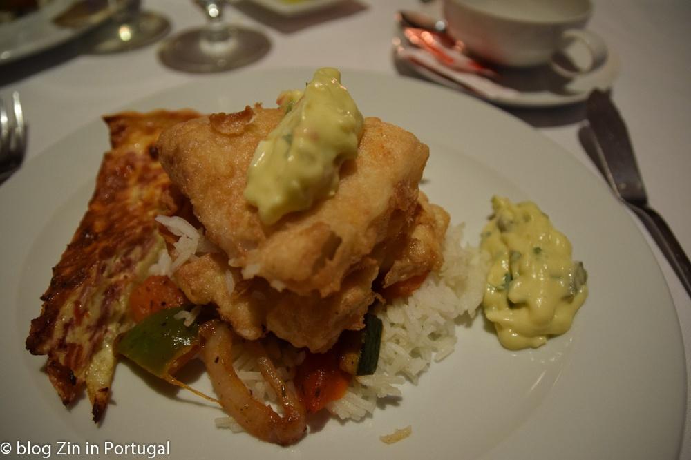 Hotel_Terra_Nostra_restaurant_main_course_abrotea