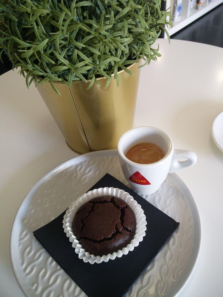 Koffie en muffin bij Leef